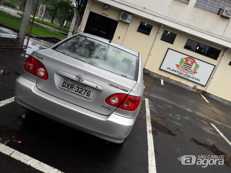 Carro roubado é localizado no Aracy 2 - Crédito: Maycon Maximino