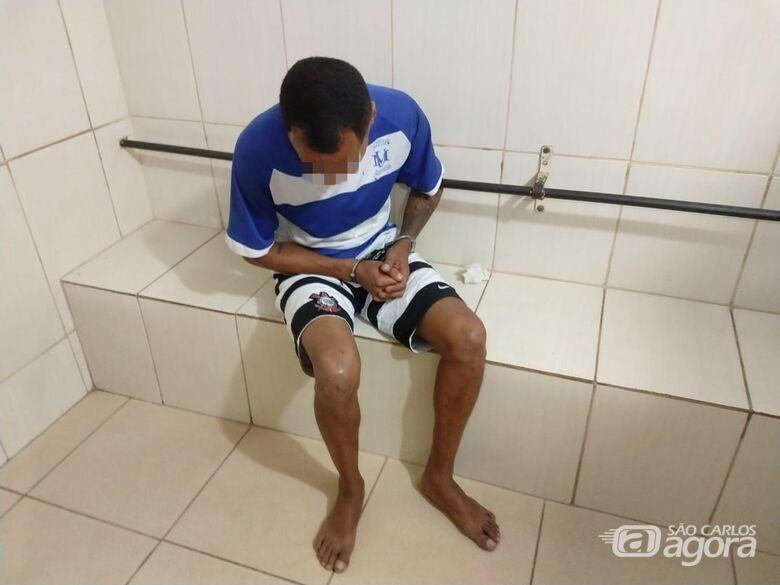Homem é preso no São Carlos 8, acusado de roubo a supermercado - Crédito: Luciano Lopes