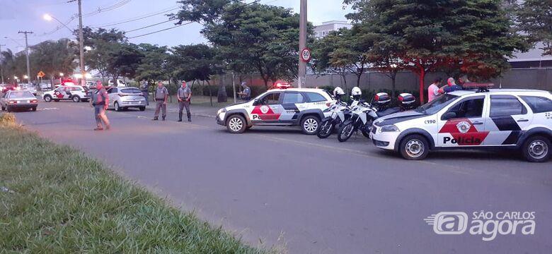 Operação conjunta fiscaliza veículos, pedestres e ambulantes durante a Tusca - Crédito: Divulgação