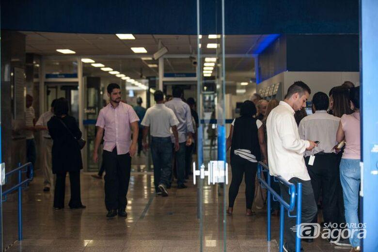 Bancos fecham nesta terça-feira e no dia 1º - Crédito: Agência Brasil