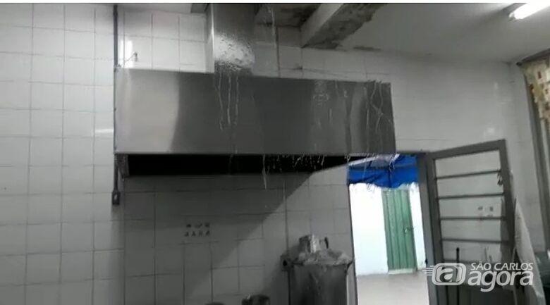 Chuva forte inunda cozinha de Cemei no Antenor Garcia - Crédito: Divulgação