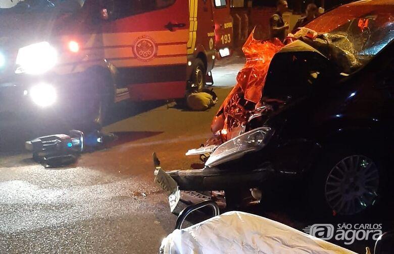 Com o impacto o carro ficou destruído - Crédito: Colaboradora/SCA