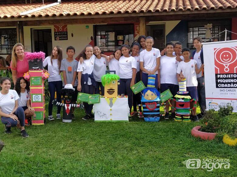 Alunos do Pequeno Cidadão doam bonecos sustentáveis para coleta de lixo eletrônico nas escolas públicas de São Carlos - Crédito: Marcos Escrivani