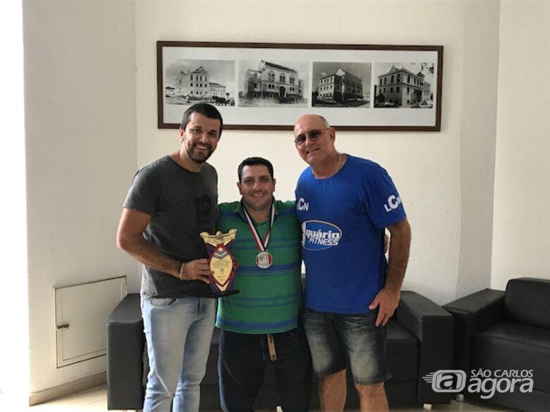 Vereador Rodson parabeniza Mitcho Bianchi e atletas ACD pelos recordes obtidos - Crédito: Divulgação