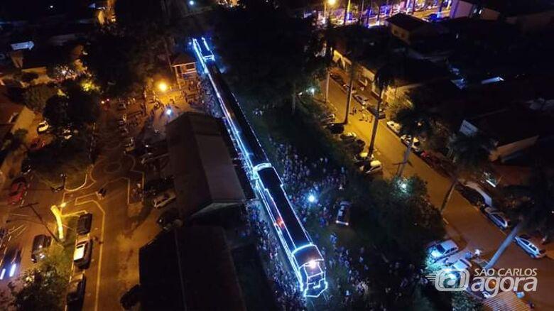 Locomotiva histórica, iluminada para o Natal passará por São Carlos -