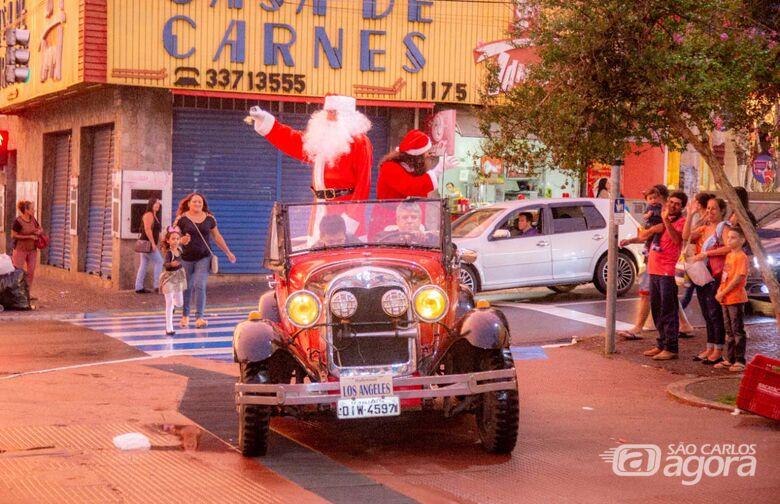 Chegada do Papai Noel marca o início das comemorações natalinas no comércio de São Carlos - Crédito: Divulgação