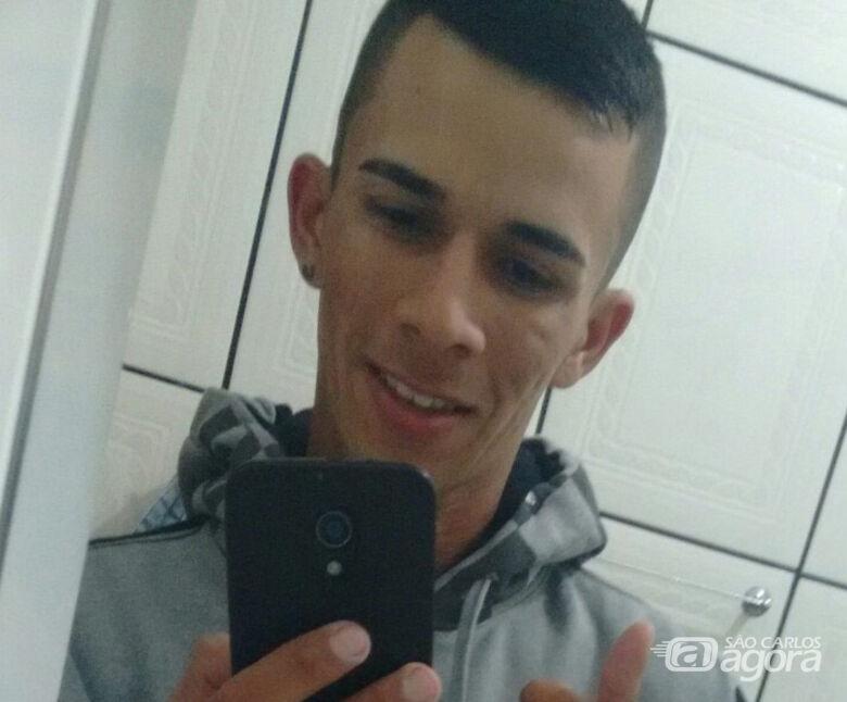 Motorista que morreu carbonizado após caminhão pegar fogo é enterrado em Arthur Nogueira - Crédito: Arquivo Pessoal