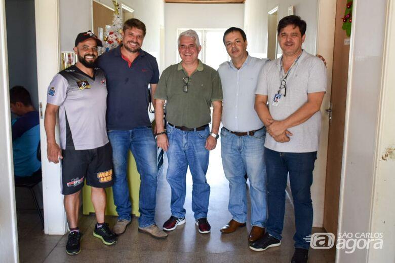 Secretário de Planejamento faz visita ao Multi Esporte e CJ Elaine Viviani - Crédito: Divulgação