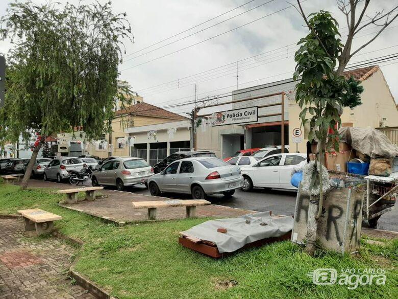 Azuaite adverte que canteiro da Rua Larga pode virar depósito de lixo e pede fiscalização - Crédito: Divulgação