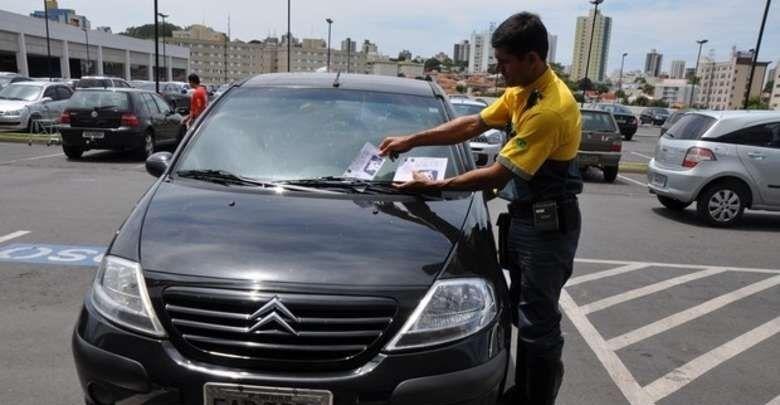 Câmara aprova lei que obriga Prefeitura divulgar valor arrecadado e destino dos recursos das multas em São Carlos - Crédito: Arquivo/SCA