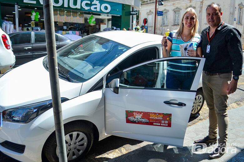 ACISC entrega os dois veículos HB20 às sorteadas da campanha Natal Premiado 2019 - Crédito: Divulgação