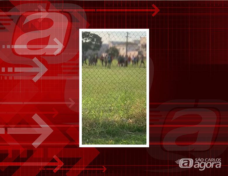Jogo da Sanca Cup termina em briga generalizada no campo de Vila Isabel - Crédito: Reprodução
