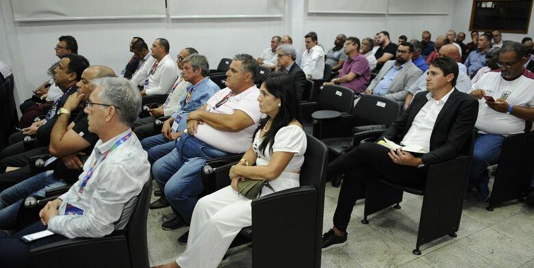 Conselho arbitral realizado na tarde desta quarta-feira - Crédito: Rodrigo Corsi/FPF