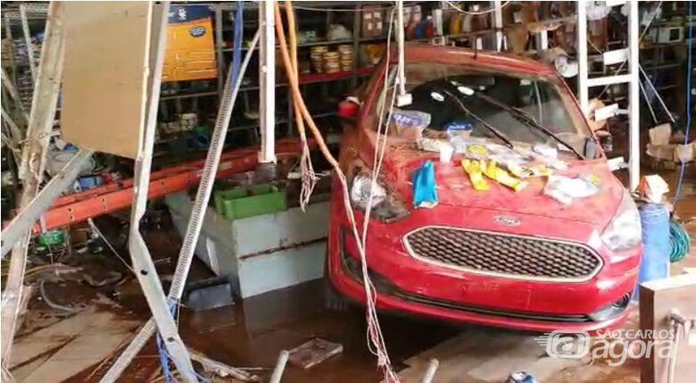 Loja ficou destruída após enchente - Crédito: Reprodução