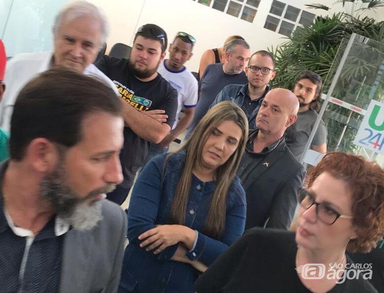 Marcos Palermo ao lado da deputada federal Carla Zambelli - Crédito: Arquivo/SCA