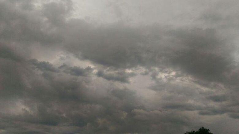 Quinta-feira começa com aumento de nebulosidade com chuvas fracas e isoladas - Crédito: Divulgação