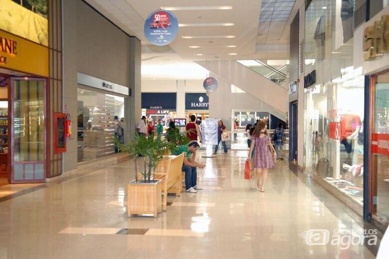 Feriados em dias úteis podem gerar perda de R$ 20 bilhões este ano - Crédito: Agência Brasil