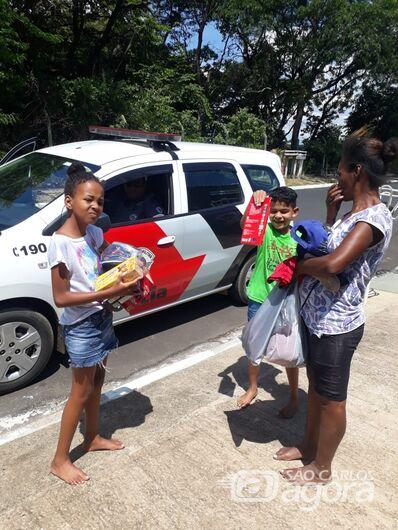 PMs realizam sonho de criança com necessidade especial no Aracy - Crédito: Divulgação