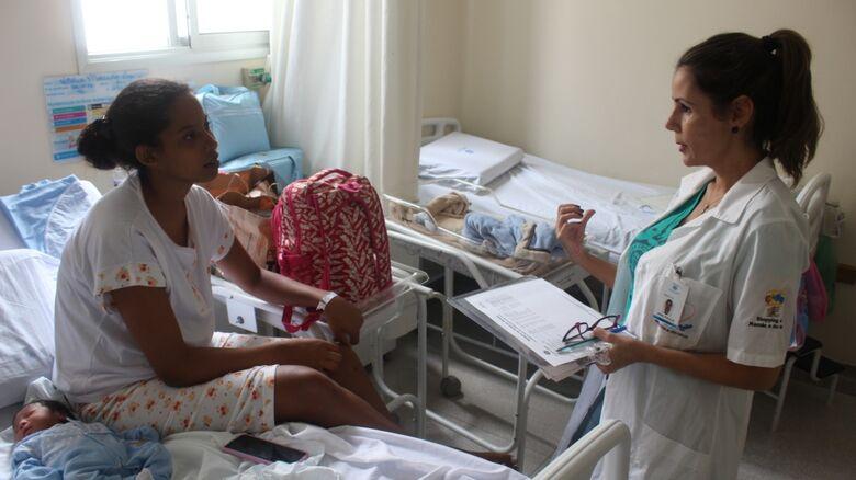 Voluntárias da Santa Casa alertam sobre necessidade da amamentação e buscam novas colaboradoras - Crédito: Alessandra Kuba