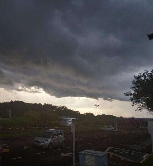 Nuvem carregada se aproximando de São Carlos - Crédito: Colaborador/SCA