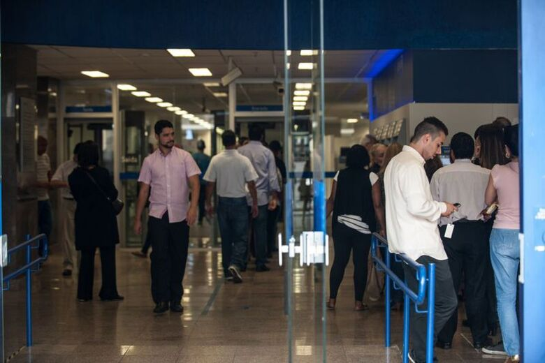 Bancos estão fechados nesta segunda e terça de Carnaval - Crédito: Agência Brasil