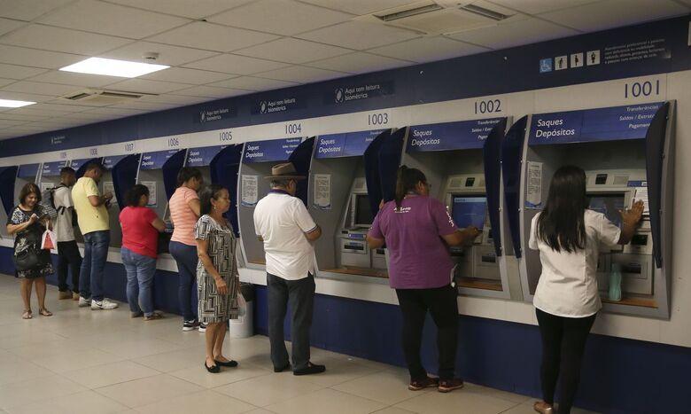Recebem o abono mais de 3,6 milhões de trabalhadores - Crédito: Agência Brasil