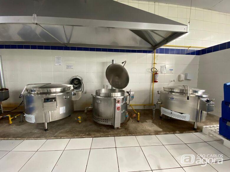 Cozinha piloto ampliou sua capacidade de produção para 1.500 refeições diárias para os restaurantes populares -