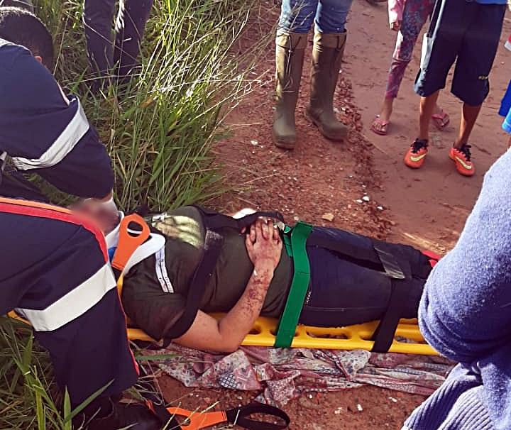 Vítima foi encontrada com vários ferimentos em estrada de terra - Crédito: São Carlos Agora