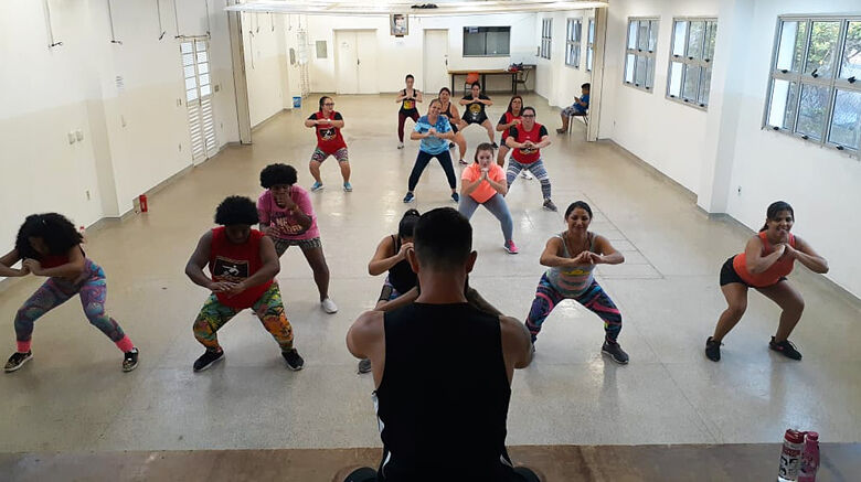 Atividades recreativas gratuitas são oferecidas no Centro da Juventude Elaine Viviani - Crédito: Divulgação