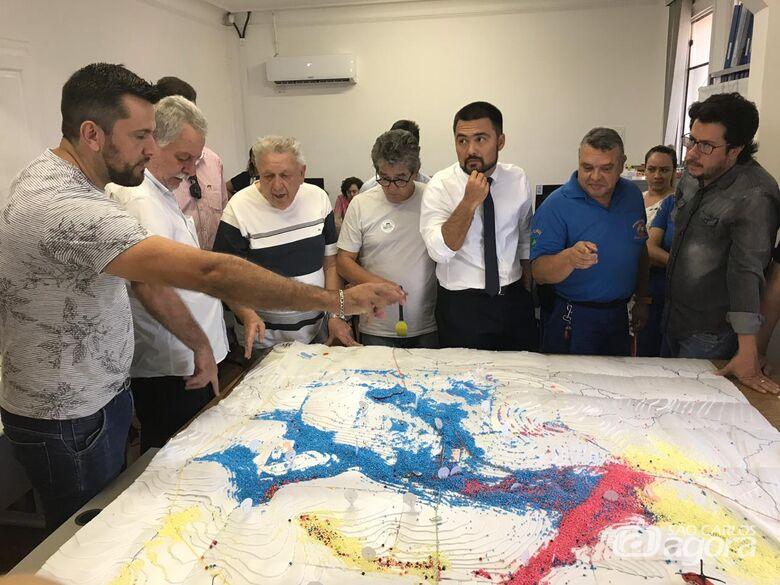 Encontro na Prohab debate viabilização de projeto para combater enchentes - Crédito: Divulgação