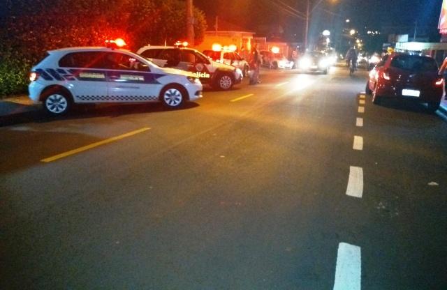 Viaturas policiais na alameda dos Crisântemos - Crédito: Divulgação