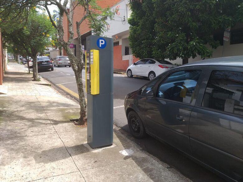 Trânsito em São Carlos: multas por estacionamento irregular tiveram um crescimento de 69%, segundo balanço de secretaria - Crédito: São Carlos Agora