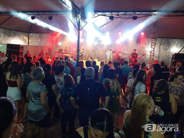 Carnaval chega ao fim com tradicionais marchinhas na Praça XV - Crédito: Divulgação
