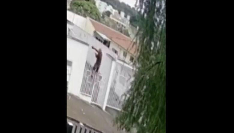 Polícia tenta identificar homem que está invadindo casas e condomínios no Paulistano - Crédito: Reprodução