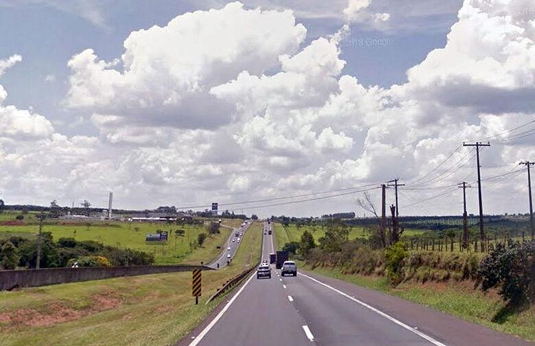 Quase 290 mil veículos devem passar pela rodovia Washington Luis no feriado de Carnaval - Crédito: Arquivo SCA