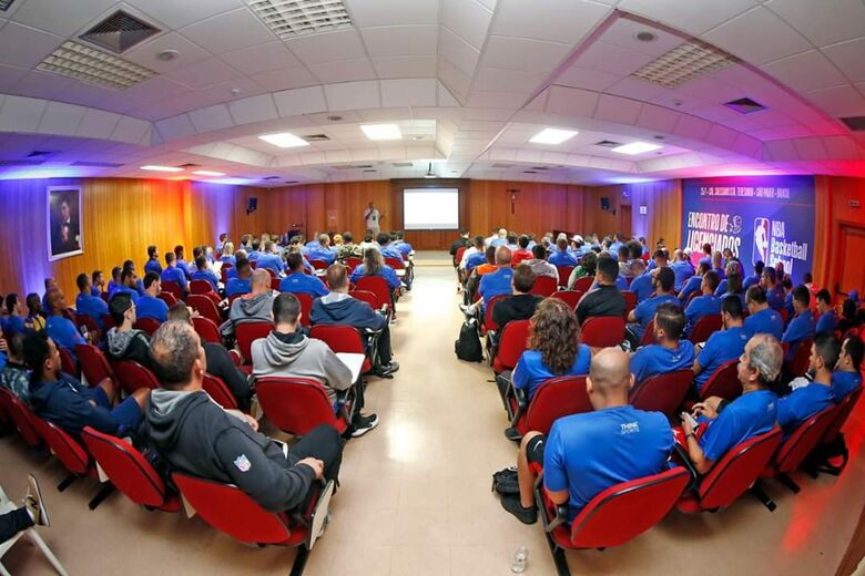 São-carlenses participam de capacitação de basquete em evento realizado em São Paulo - Crédito: Divulgação