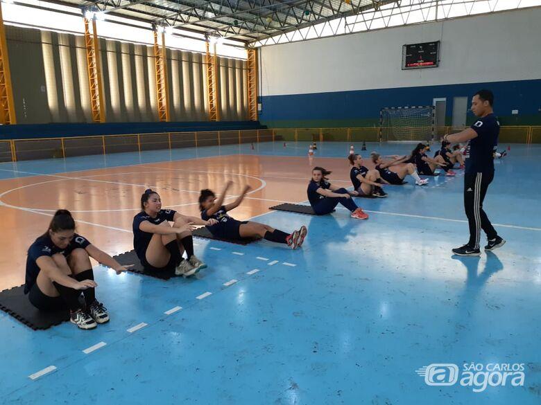 Jogadoras durante as atividades físicas: trabalho para dar o condicionamento físico ideal para 2020 - Crédito: Marcos Escrivani
