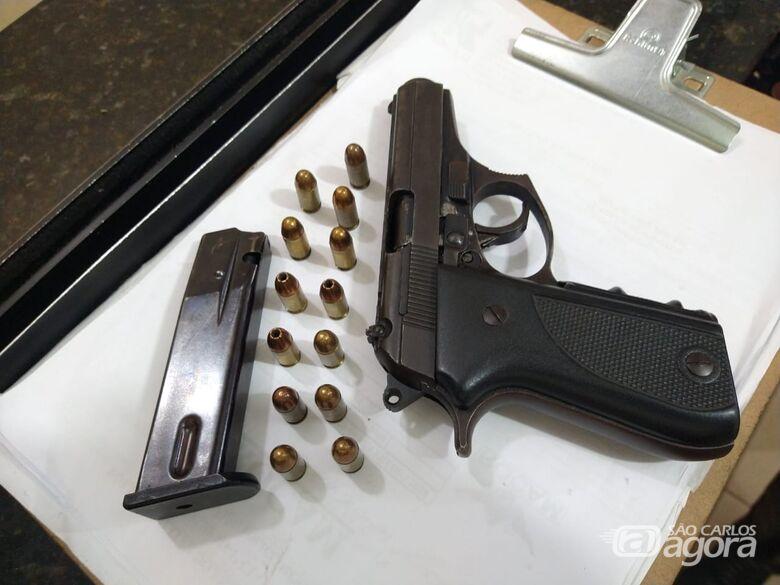 Comerciante é detido com arma de fogo na Vila Prado - Crédito: Luciano Lopes