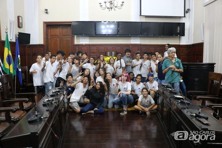 Alunos da escola Dr. Álvaro Guião visitam a Câmara Municipal - Crédito: Divulgação