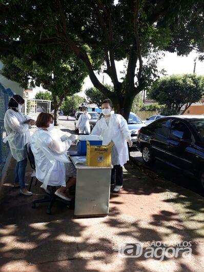 Docentes participam da organização de estratégias e integram equipes de vacinadores - Crédito: Divulgação