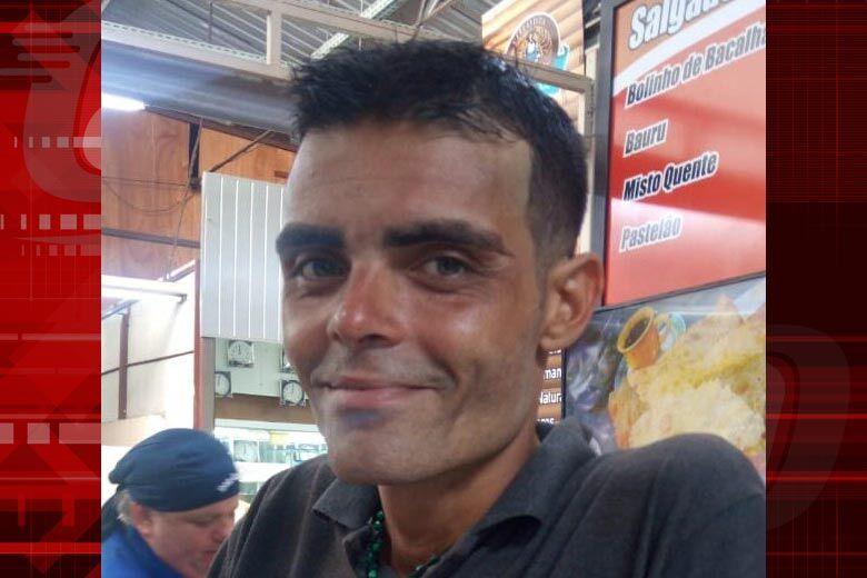 Mulher busca informações de irmão que veio de Minas Gerais para trabalhar em São Carlos - Crédito: Arquivo pessoal