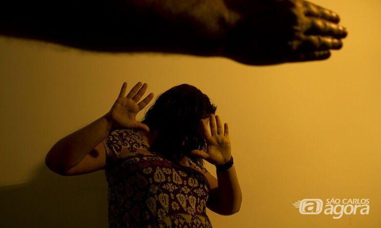 Não aceitar fim de relação é causa de 33% das agressões a mulheres - Crédito: Marcos Santos/USP