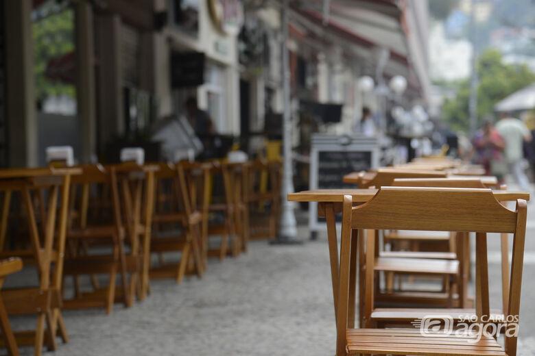 Bares e restaurantes poderão atender com restrições - Crédito: Agência Brasil
