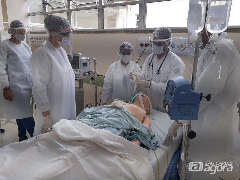 Novos profissionais do HU-UFSCar recebem capacitação para atendimento a pacientes críticos da Covid-19 - Crédito: Divulgação