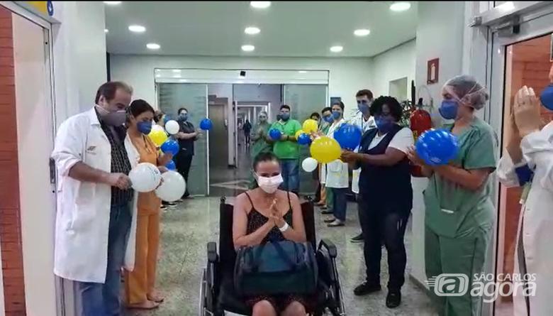 Alcilene Silva Lima de Almeida, de 45 anos, teve alta nesta qunta-feira, 21 de maio. - Crédito: Divulgação