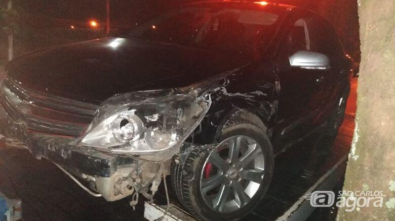 Motorista bate em carro estacionado na Capitão Luís Brandão - Crédito: Divulgação