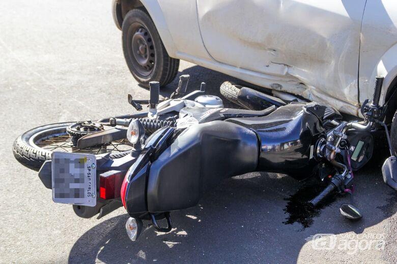 Motoboy fica ferido em acidente no Santa Felícia - Crédito: Marco Lúcio