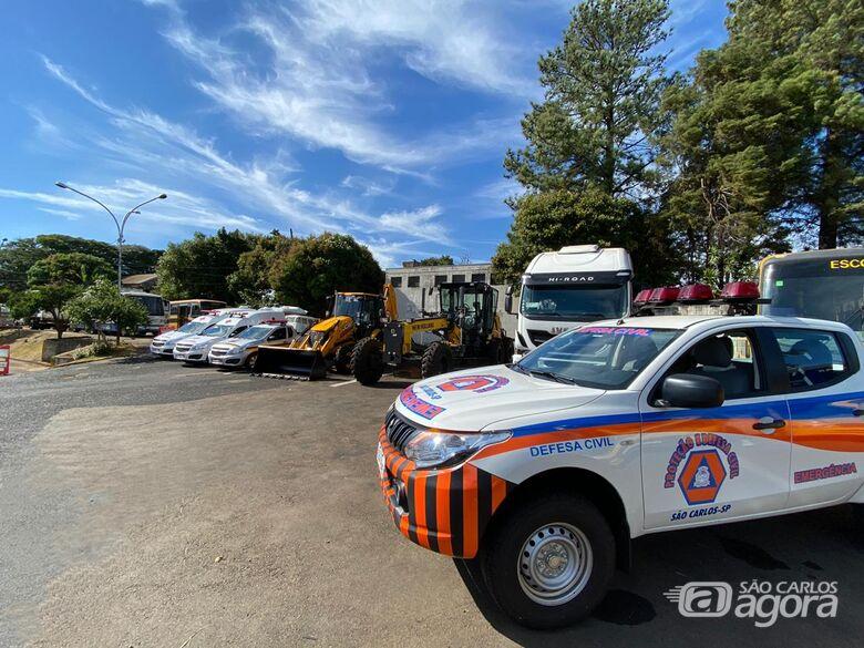 Prefeitura entrega novos veículos e máquinários para a saúde, serviços públicos, Defesa Civil e trânsito - Crédito: Divulgação/PMSC