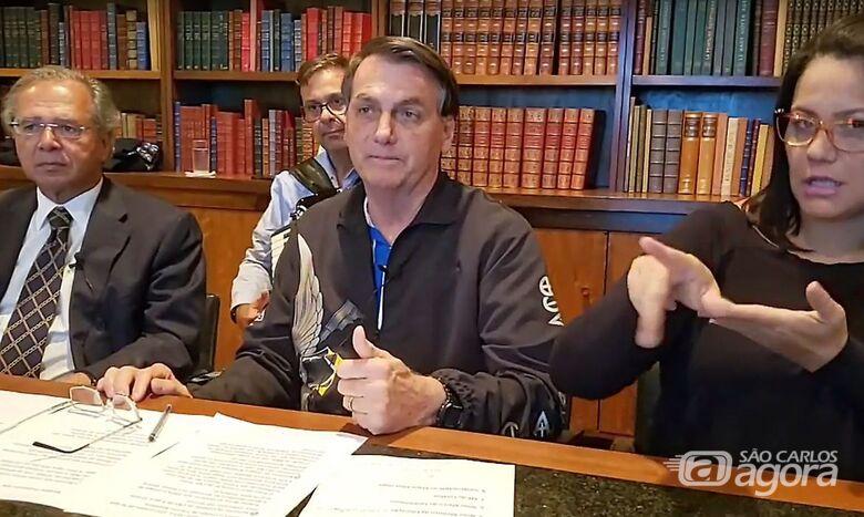 Bolsonaro: auxílio deve ter novas parcelas de R$ 500, R$ 400 e R$ 300 - Crédito: Reprodução