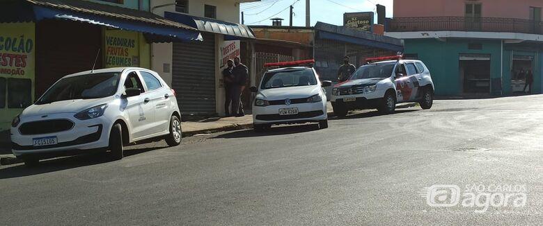 Força-tarefa faz autuações em estabelecimentos que descumprem horários e desocupa área pública durante operação - Crédito: Divulgação
